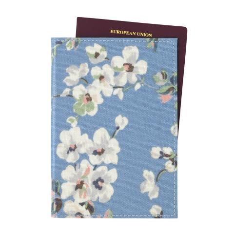 PASSPORT HOLDER WELLESLEY BLOSSOM SOFT BLUE